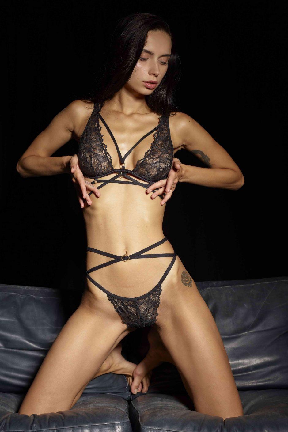 Zara Very Fit Lady