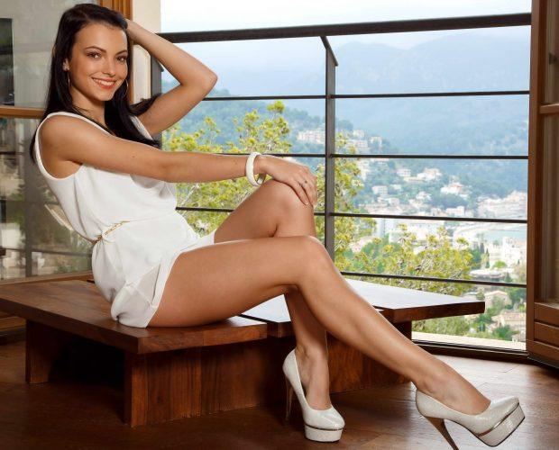 Amazing Slender Legs